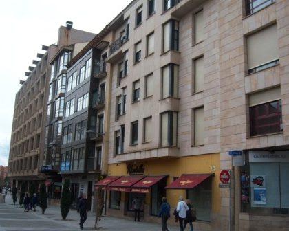 Apartamento en C/ REY SABIO (Ferial)